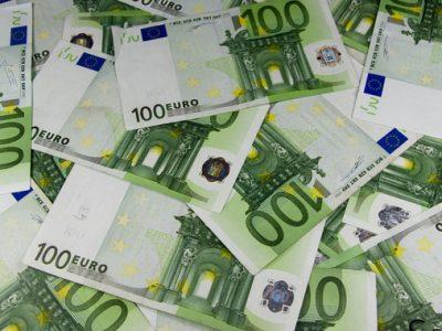 EL GOBIERNO ESPAÑOL LIMITARÁ EL PAGO EN EFECTIVO A 1.000,00 EUROS